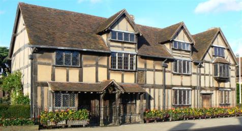 William_Shakespeares_birthplace,_Stratford-upon-Avon_26l2007