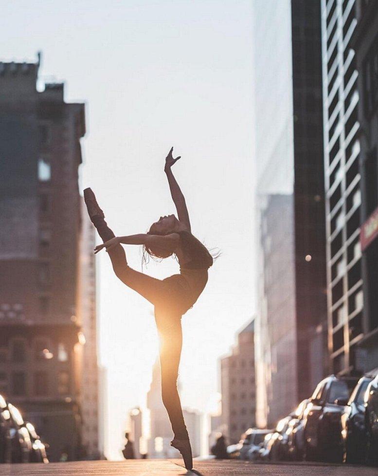 fotografia-ballerine-classiche-moderne-new-york-strade-omar-robles-12.jpg