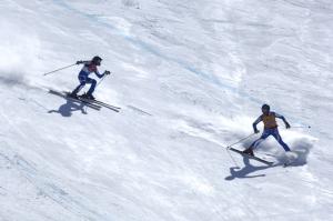 soccorso bambina sulla pista da scii
